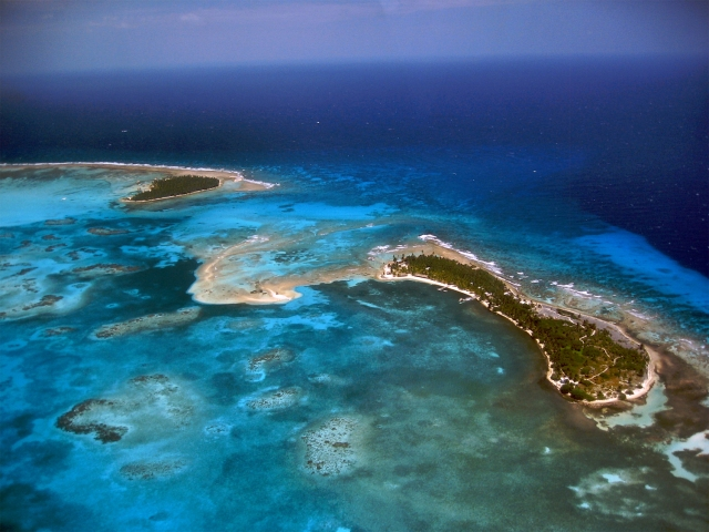long-caye-glovers-reef